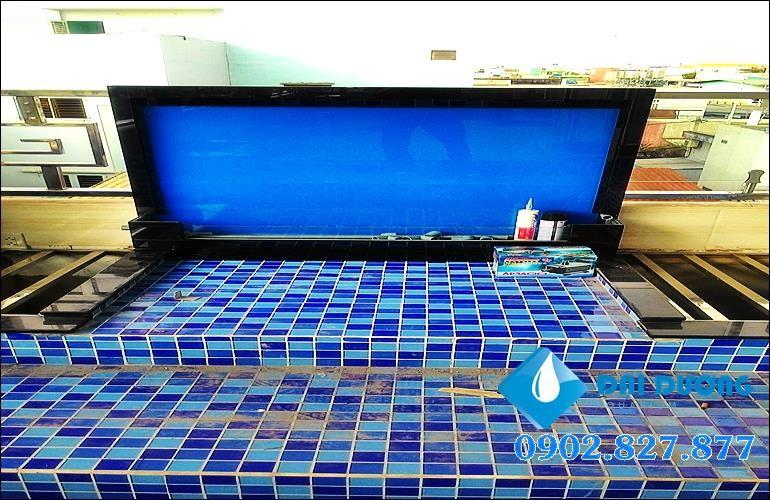 thiết kế thác nước trên kính